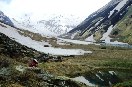 A small pond Hanskund at Tirath is revered as origin of Tirthan river and visited by the villagers and trekkers in clear summer days.