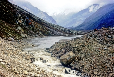 Mantalai 4200m alt is origin of Parbati river. This is a tough trek undertaken by locals in September when there is less snow and landslides to negotiate.