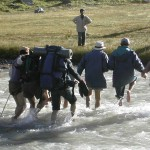 Sainj-Jiwa Trek, Crossing a river